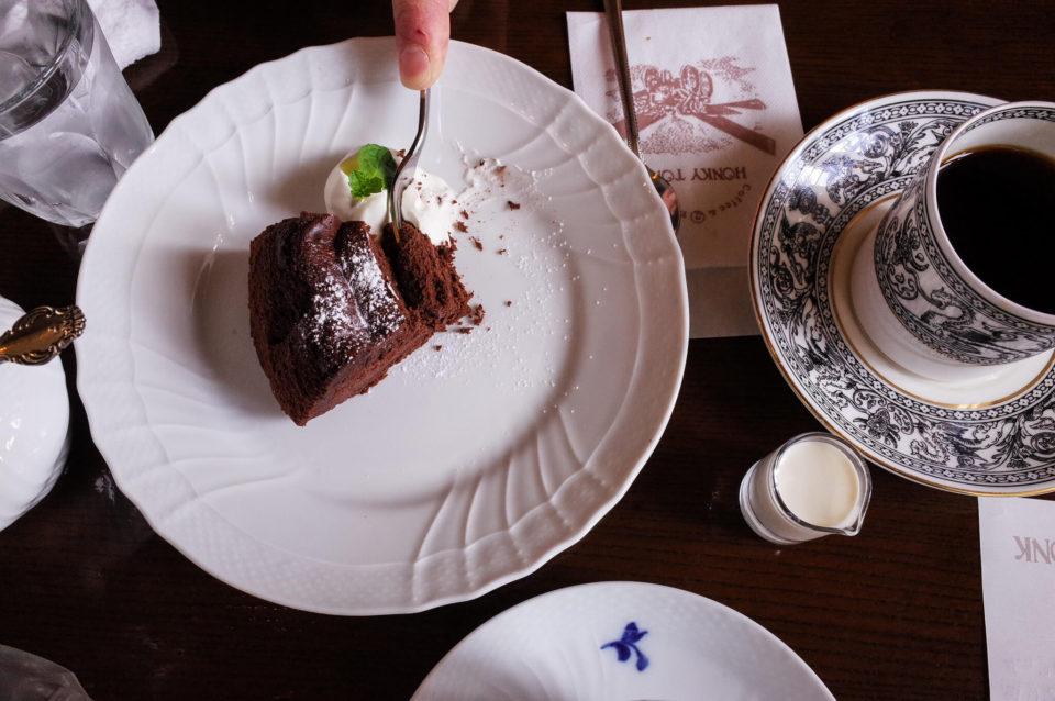 岡山の老舗喫茶店「ホンキートンク」で日曜日の昼下がり珈琲&ケーキ