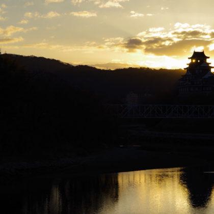 岡山城と初日の出