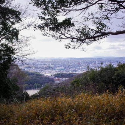 下に見えるのは奥市のグランドかな。