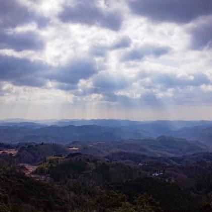ちょっと雲行き怪しめ。光芒が綺麗だった。