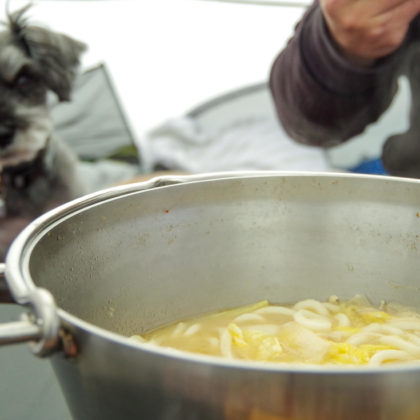 朝ごはんはいつもどおり、前日の鍋にうどん投入
