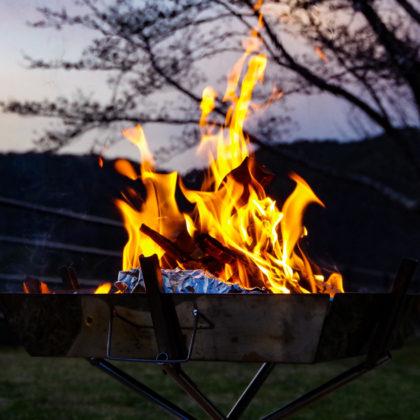 風がおさまったので焚き火開始