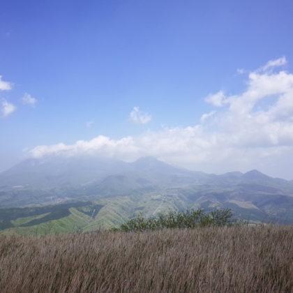 山頂からの大山方面